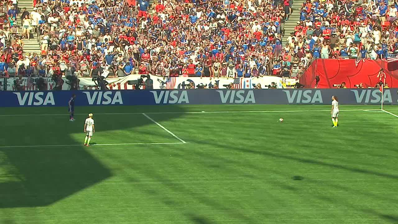 Goooal!!!!アメリカ、ローレン・ホリデー(USA)のフリーキックを活かし、最後にカルリ・ロイド(USA)が決め、アメリカ追加点。2分で日本まさかの2失点